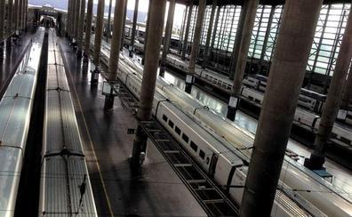 Una avería eléctrica ya solucionada en Atocha afecta a 16 trenes AVE