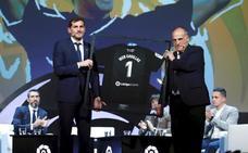 «Si llega la llamada de la selección, será un placer», reconoce Casillas