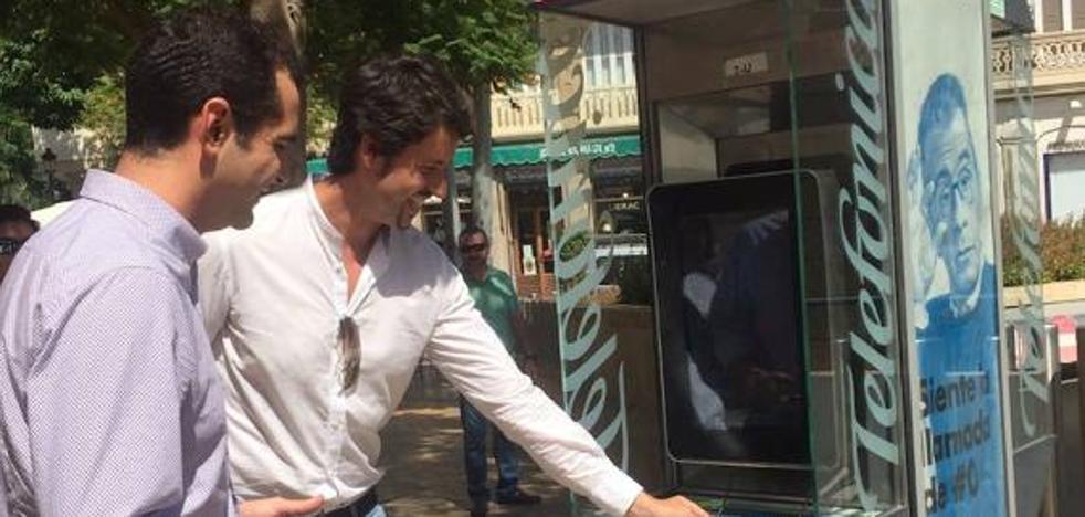 Málaga convertirá diez cabinas telefónicas en puntos de información turística