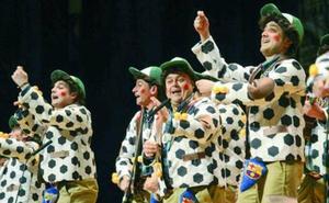 Torremolinos celebra su Carnaval e invita a la chirigota ganadora en Cádiz