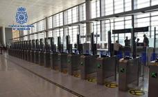 Detenido en el aeropuerto de Málaga cuando trataba de salir de España con documentación falsa