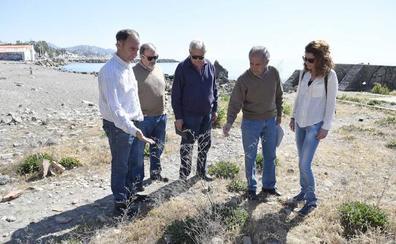 Vecinos y ecologistas exigen desbloquear ya el parque en los Baños del Carmen