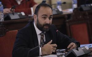 Cortés amenaza con que el Ayuntamiento se querelle contra Ysabel Torralbo por sus declaraciones de «múltiples irregularidades» en las oposiciones de Seguridad