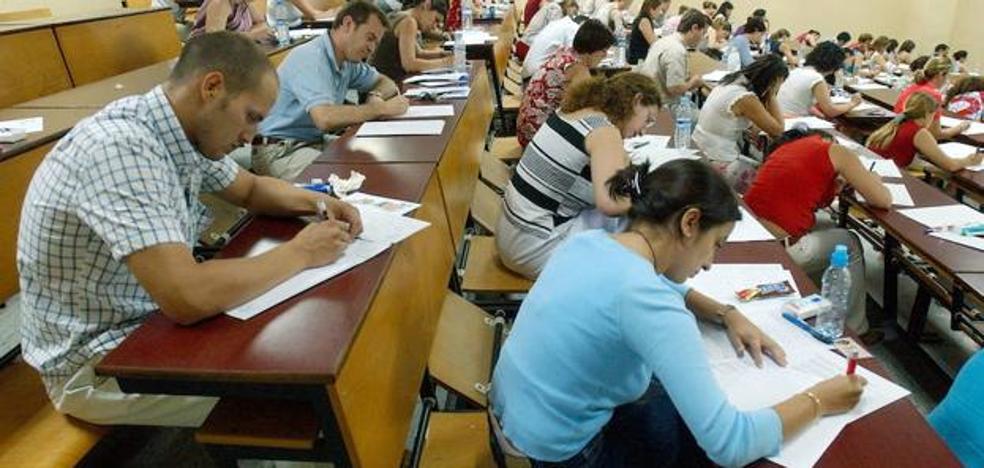 La Junta de Andalucía aprueba una oferta de empleo de 3.800 plazas para el cuerpo de maestros