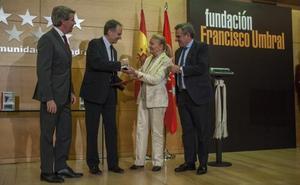Antonio Soler recibe el Premio Umbral por 'Sur'