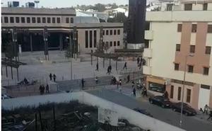 La Policía dispara al aire para disolver a familiares y amigos de los detenidos en una operación antidroga en Ronda