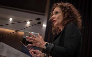 Montero dice que jamás ha hablado con Sánchez sobre sustituir a Susana Díaz