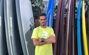 Rincón, un lugar estratégico en la Bahía de Málaga para el surf