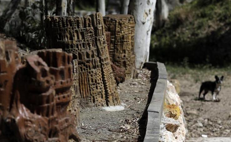 El bosque de esculturas de Manuel Ledesma