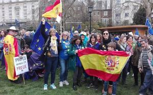 «Llevo 20 años en Málaga y no pude votar contra el 'Brexit', por eso he venido»