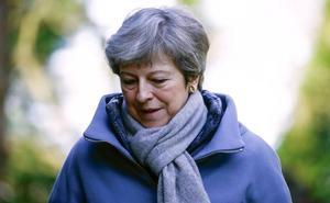May conseguiría apoyo a su acuerdo sobre el 'Brexit' si promete dimitir