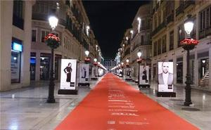 Sorprenden a tres jóvenes daneses causando daños a carteles del Festival de Cine de Málaga
