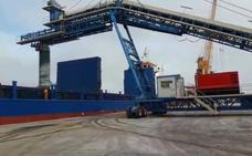 Un sistema pionero permitirá exportar clinker en el Puerto de Málaga sin contaminar