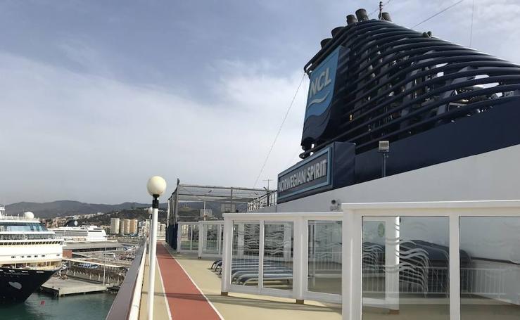 El crucero Norwegian 'Spirit' se despide de Málaga
