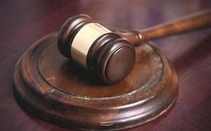 Condenada a 40 años por prostituir a sus hijos menores con un hombre