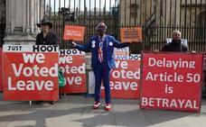 El Parlamento británico trata de nuevo este viernes de desbloquear el 'brexit'