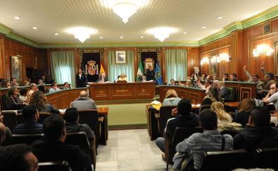 El pleno de Marbella aprueba la creación de 283 plazas en el Ayuntamiento con un polémico debate