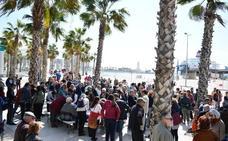 Apenas un centenar de personas se concentran en contra del rascacielos en el Puerto