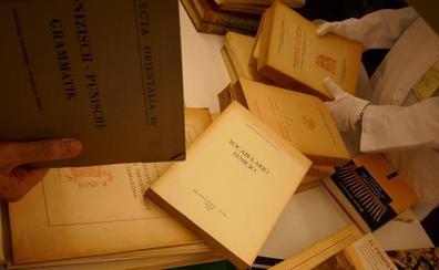 El Museo de Málaga recibe uno de los legados bibliográficos sobre la cultura fenicia más importantes del mundo