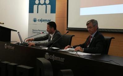 La 'pobreza salarial' mantiene el número de personas atendidas por Cruz Roja en Málaga en 38.000