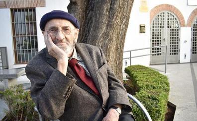 Álvaro Pombo: «La poesía no funciona como los jamones: no es mejor poeta el que más vende»