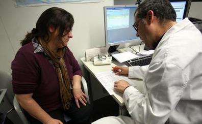 El Consejo de Colegios de Médicos alerta de que en diez años se jubilará el 47% de los facultativos