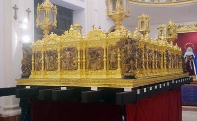 Un trono basado en el retablo de la iglesia del Sagrario