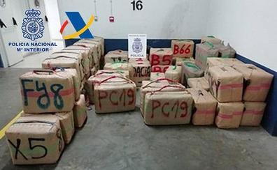 Incautadas dos toneladas de hachís en una 'guardería' de Huelva en una operación con tres detenidos
