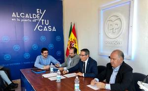 El PP de Rincón de la Victoria renueva a dos de sus siete candidatos en los puestos de salida para las elecciones