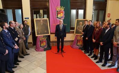 Celebración del centenario del Ayuntamiento de Málaga con un sencillo acto en el hall