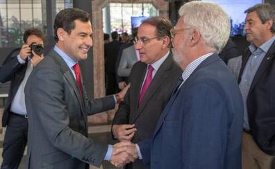 Moreno liga la bajada de impuestos con un efecto llamada a los empresarios para invertir en Andalucía