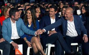 Rivera tiende la mano a Casado para formar gobierno «si no ha tirado la toalla»