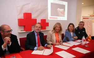 Marbella amplía el convenio con Cruz Roja para crear una unidad de acción inmediata en la calle para los sintecho