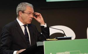 Velasco confía en aliviar «a corto plazo» el «corsé administrativo» que pesa sobre empresas y emprendedores