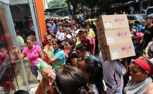 EE UU eleva su amenaza militar a Venezuela