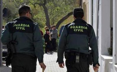 Dos personas atracan con violencia a un hombre de 68 años en Mollina