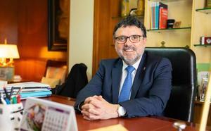 Francisco Florido: «La subasta de medicamentos empobrece a las farmacias»