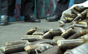 Hallados 355 kilos de hachís en Algeciras en un coche robado en Málaga