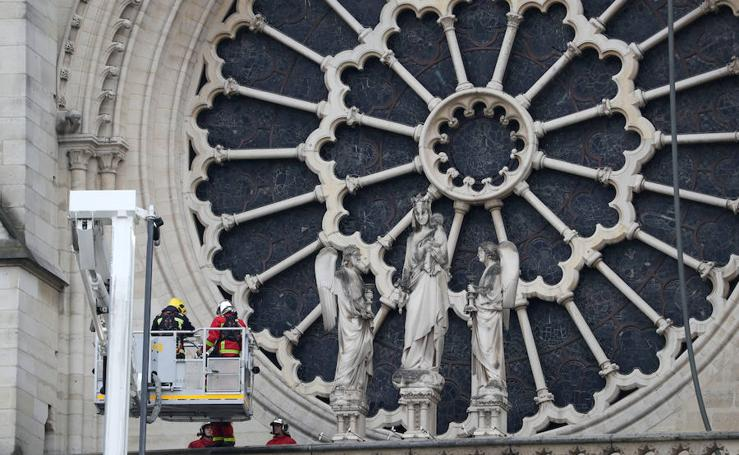 Así ha amanecido Notre Dame tras el incendio
