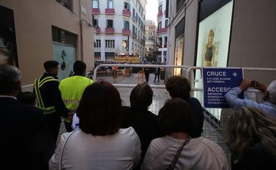 La sensación de blindaje del recorrido oficial genera las principales quejas del público de la Semana Santa de Málaga