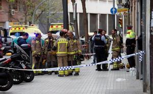 Mueren en un incendio una mujer y sus dos hijos en Hospitalet
