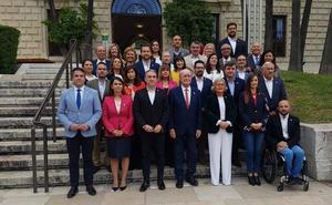 De la Torre destaca que la lista del PP de Málaga aúna la experiencia municipal con la aportación de los independientes
