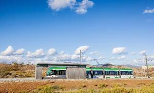 La lanzadera del 'metrobus' al PTA arranca hoy con cuatro vehículos