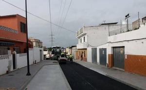 Los trabajos de remodelación integral de la calle Viñuela de Fuengirola entran en su recta final