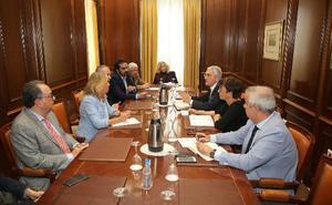 Marbella pide al Gobierno prioridad para los proyectos de estabilización de sus playas