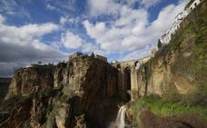El Tajo de Ronda, la Cueva del Hundidero y el Monte Jabalcuza, nuevos monumentos naturales de Málaga