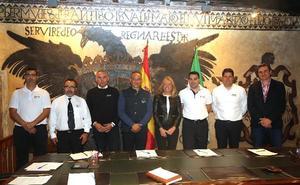 La alcaldesa aborda con la nueva junta de Taxisol los principales retos del sector