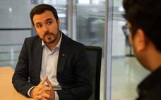Alberto Garzón: «No les pido el voto a quienes ganan más de 120.000 euros. Sé que no les gustamos»