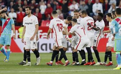 Manita del Sevilla a un Rayo asomado al abismo