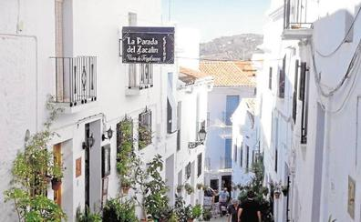 Frigiliana, Ronda y Cómpeta concentran la cuarta parte del total de los alojamientos del interior